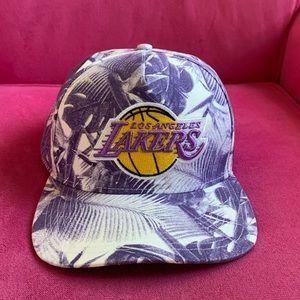 Lakers Hat snap back unique retro 90's look
